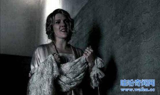 恐怖的鹅妈妈童谣隐藏世界悬案亲手砍死父母